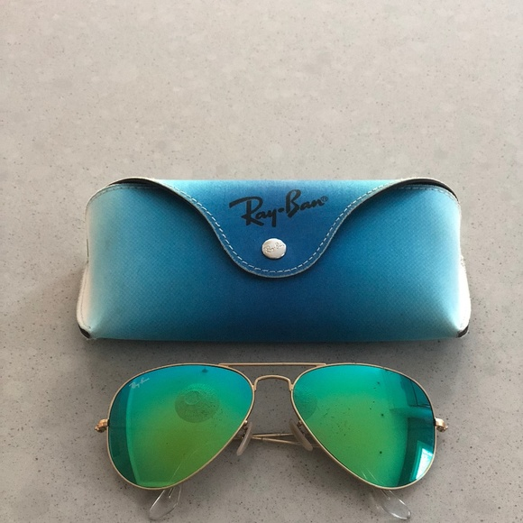 63fd7726f08e8 Ray-Ban Aviator Green Gold Mirrored Sunglasses. M 5aca4894c9fcdfa1b9248b95